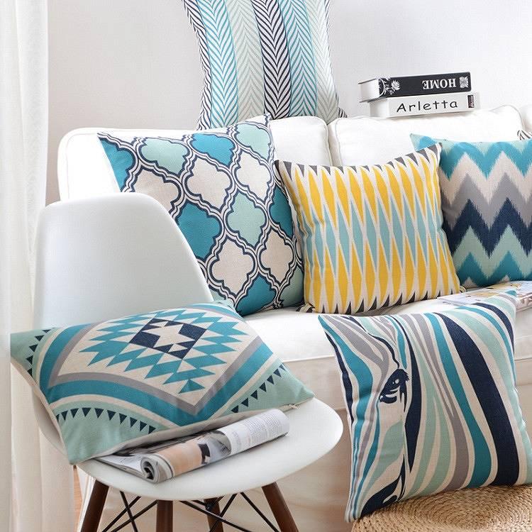 poduszka dekoracyjna turkus morski kolor 2020 na wiosę, modny i elegancki wzór