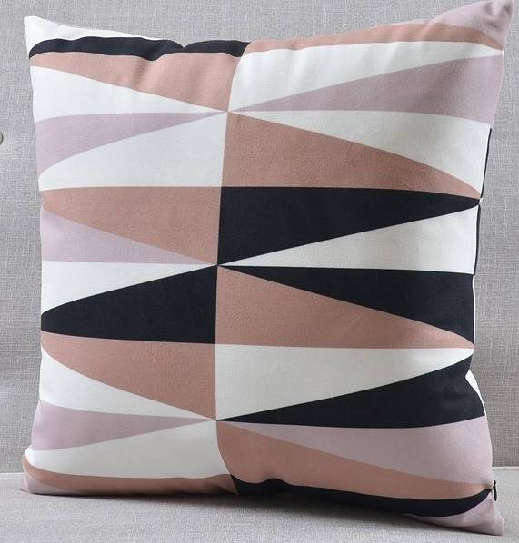 Poduszka dekoracyjna z weluru, pudrowy róż wzory geometryczne